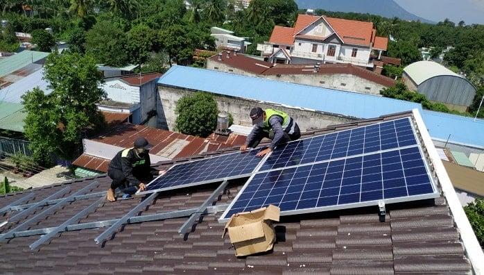cách tính công suất từ điện mặt trời