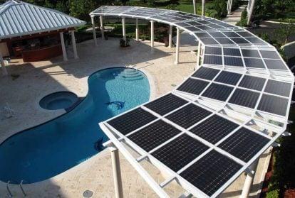 Điện mặt trời che mát các hồ bơi
