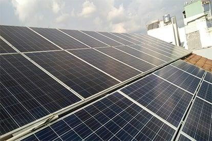 Lắp đặt hệ thốngđiện năng lượng mặt trời nối lưới công suất 4.48 kWp - 3P. tại Bình Thạnh
