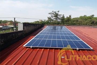 lắp đặt hệ thống điện năng lượng mặt trời nối lưới công suất 2.24Kw