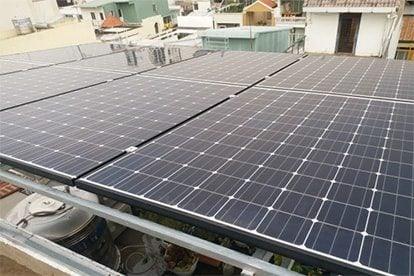 Lắp đặt hệ thống điện năng lượng mặt trời nối lưới công suất 4.55 kWp - 1P tại Quận 1 khách hàng Võ Việt Lập
