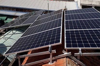 Lắp đặt hệ thống điện năng lượng mặt trời nối lưới công suất 5.18 kWp - 1P tại Bình Dương khách hàng Nguyễn Công Minh