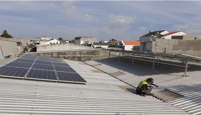 Lesson success of photovoltaic roof Seen from Japan
