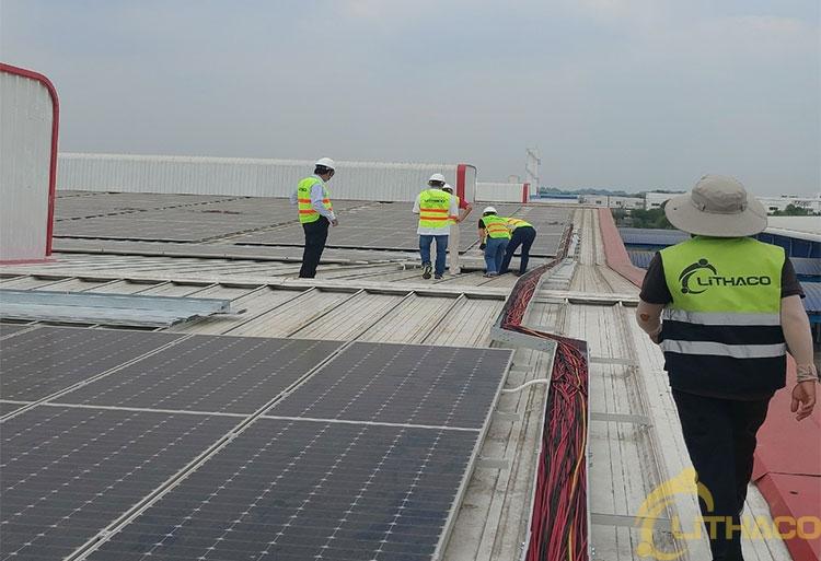 Điện mặt trời mái nhà: Chưa gỡ hết vướng mắc, EVN tiếp tục