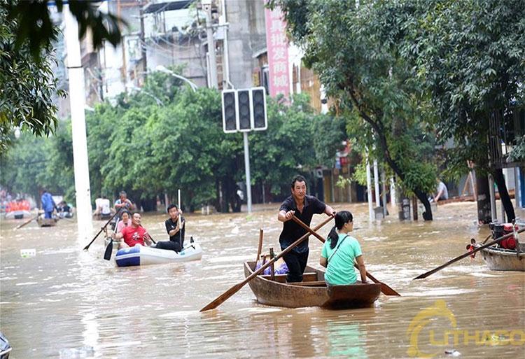 Ngành điện Mặt Trời Trung Quốc tổn thất vì lũ lụt lịch sử 1