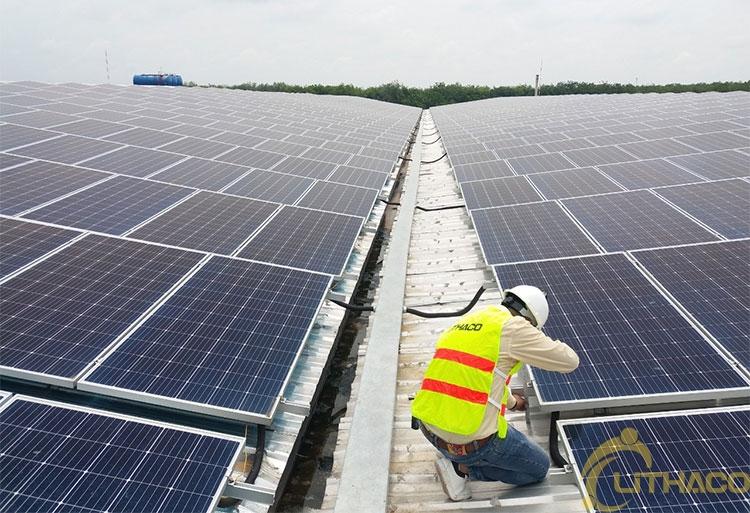 Tên Dự án: Cung cấp và lắp đặt hệ thống điện năng lượng mặt trời mái nhà công suất 999kW -3 Pha. AE. Khách hàng CÔNG TY TNHH TÀI LỢI