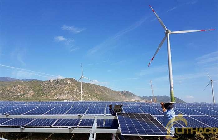 Doanh nghiệp niêm yết vay hàng ngàn tỉ đồng đầu tư điện mặt trời, điện gió 1