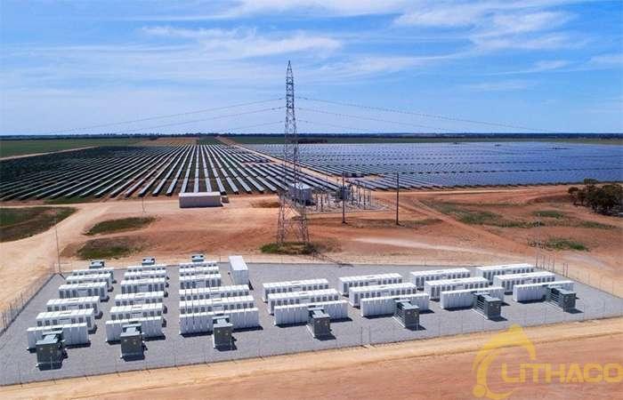 Pin tích trữ năng lượng tăng đột biến ở Mỹ mở ra mức tăng trưởng kỷ lục trong lĩnh vực điện gió và năng lượng mặt trời 1