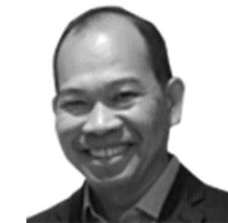 Tiến một bước, lùi hai bước: Tầm nhìn thiển cận về năng lượng của Việt Nam