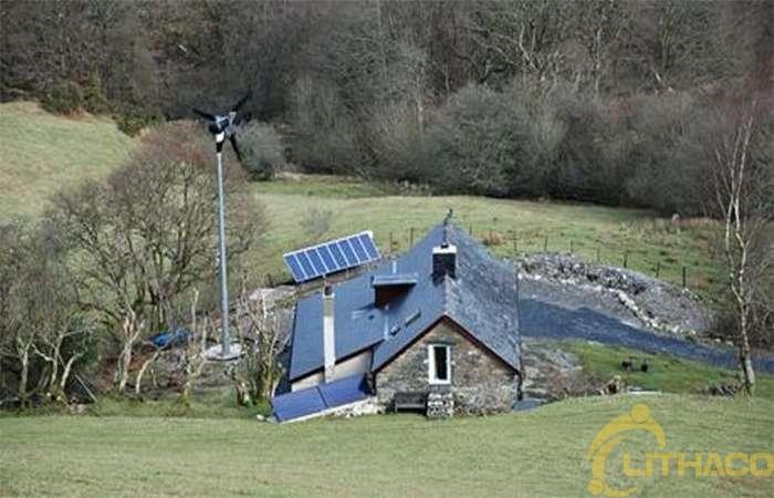 Sống ngoài lưới điện: đã đến lúc lấy lại nguồn điện từ các công ty năng lượng tiện ích