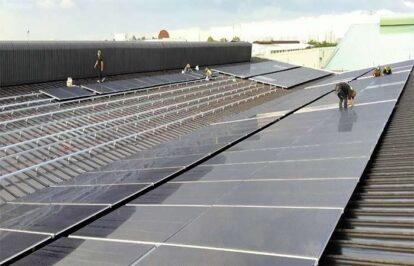 Điện mặt trời kết hợp lưu trữ cho nhà máy sản xuất